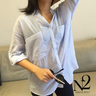上衣 口袋寬鬆長版直條紋襯衫(藍) N2