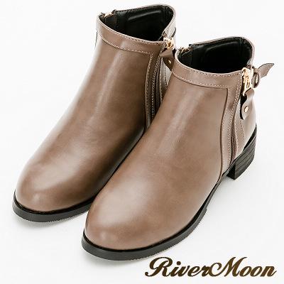 River&Moon大尺碼-方金扣側拉鍊圓頭平底短靴-卡其灰