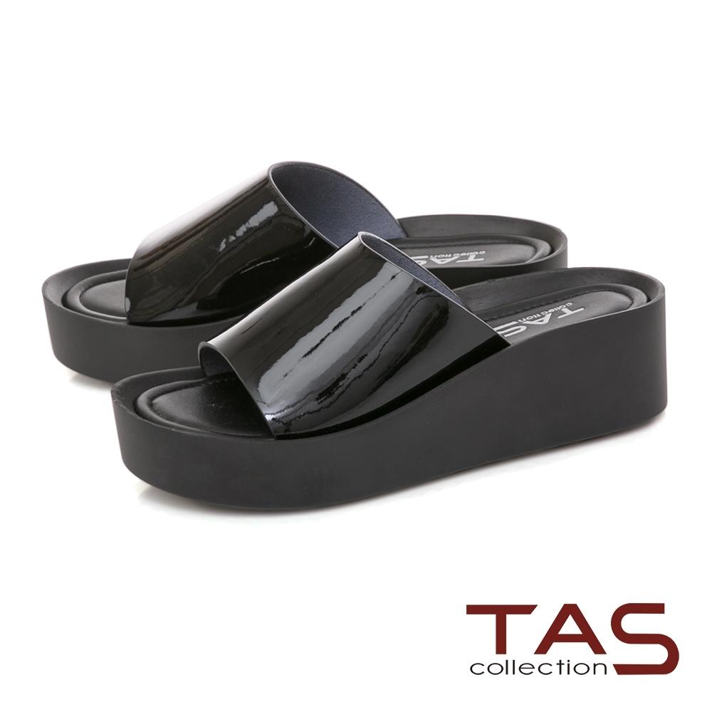 TAS 一字寬版漆皮楔型涼拖鞋-經典黑