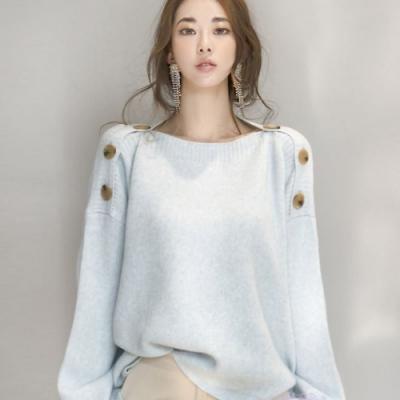 La Belleza一字領小露鎖骨肩膀鈕釦可開釦連袖針織毛衣