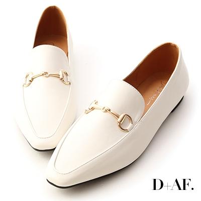 D+AF 精選品味.馬銜釦微尖頭樂福鞋*白