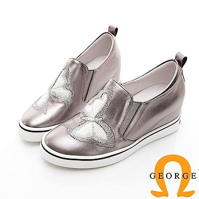 【GEORGE 喬治皮鞋】甜美蝴蝶彈力內增高休閒鞋-銀色