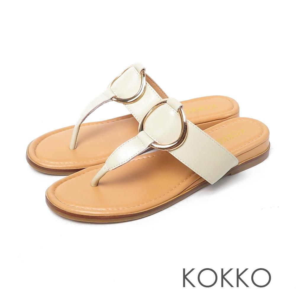 KOKKO優雅圓扣真皮內增高夾腳涼鞋米色