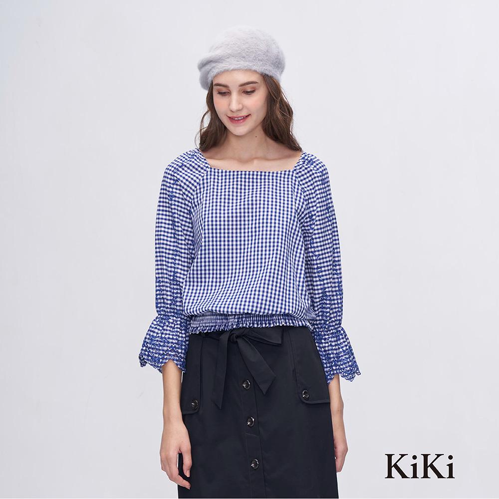 【KiKi】 花卉刺繡荷葉-上衣(二色)
