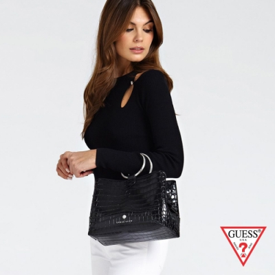 GUESS-女包-壓紋線條金屬環手提包-黑