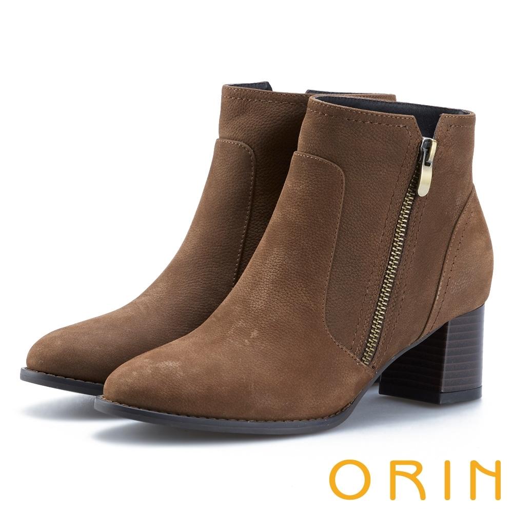 ORIN 俐落時髦 素面牛皮拉鍊粗跟短靴-棕色