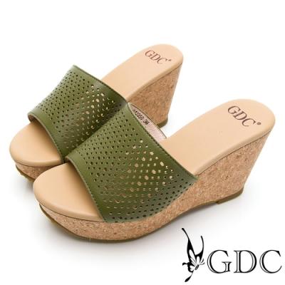 GDC-高挑佳麗真皮雕花簍空木紋春夏楔型拖鞋-綠色