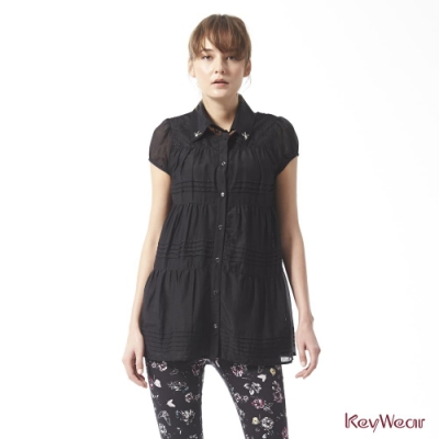 KeyWear奇威名品    日系風格典雅絲棉短袖上衣-黑色