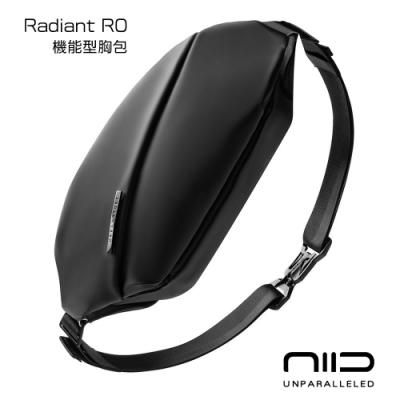 NIID Radiant R0 機能胸包 黑色