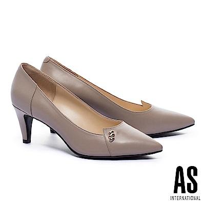 高跟鞋 AS 金屬釦飾羊皮尖頭高跟鞋-米