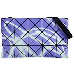 ISSEY MIYAKE 三宅一生BAOBAO霓光三角方格3x5肩背/斜背包(紫)