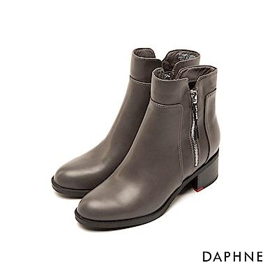 達芙妮DAPHNE 短靴-圓頭靴側標語拉鏈復古粗跟短靴-灰