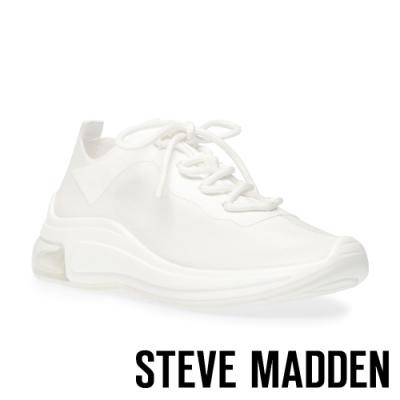 STEVE MADDEN-EMET 素面百搭氣墊休閒運動鞋-白色