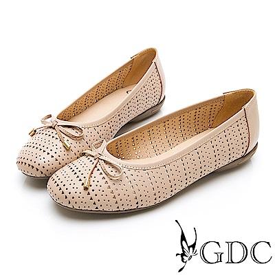 GDC-真皮日雜氣質甜美雕花簍空蝴蝶結圓頭平底娃娃鞋-米色