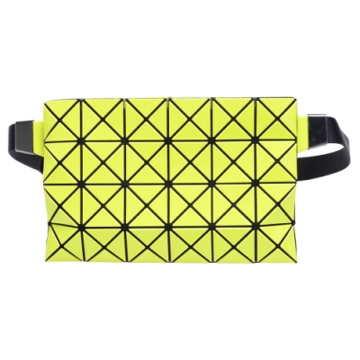 ISSEY MIYAKE 經典BAOBAO幾何方格拉鍊腰包(螢光黃)