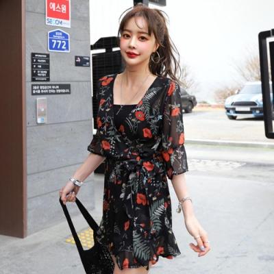 La Belleza渡假花朵V領低胸交叉荷葉袖側腰綁帶縮腰荷葉邊連身短褲裙