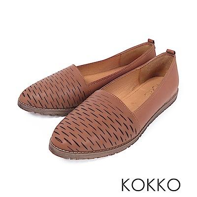 KOKKO -甜蜜舒芙蕾花紋全真皮平底鞋 - 焦糖棕