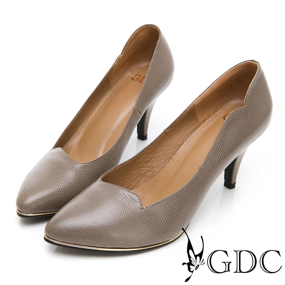 GDC-真皮精美紋理波浪尖頭中跟上班包鞋-灰色