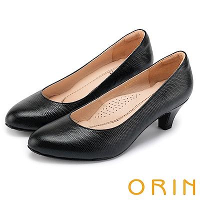 ORIN 都會時尚OL 簡約剪裁牛皮壓紋素面中跟鞋-黑色
