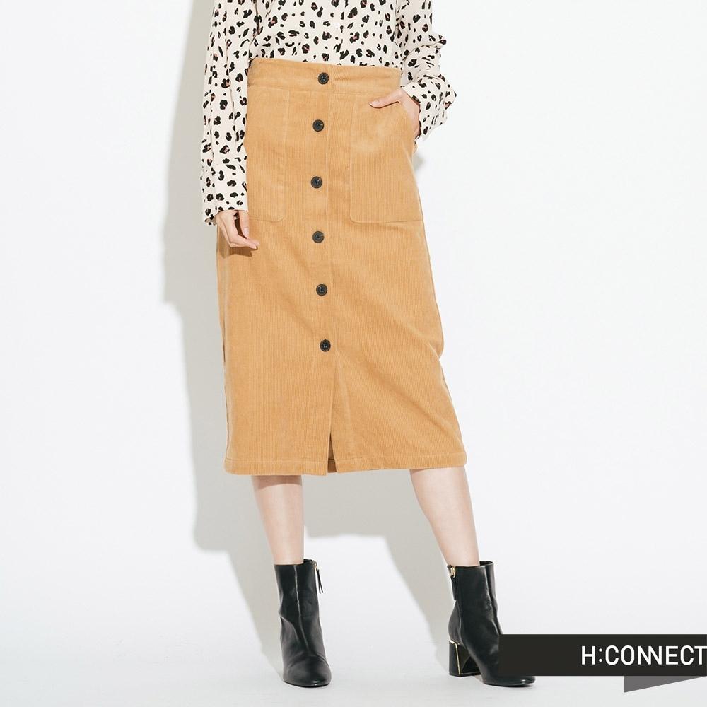 H:CONNECT 韓國品牌 女裝-質感絨面排扣中長裙-卡其