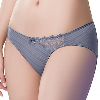思薇爾 輕沁舒系列M-XL蕾絲低腰三角內褲(舒漾紫)