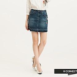 H:CONNECT 韓國品牌 女裝-清新小花刺繡牛仔短裙-藍(快)