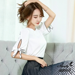 Mandy國際時尚 蝴蝶結寬鬆雪紡短袖上衣