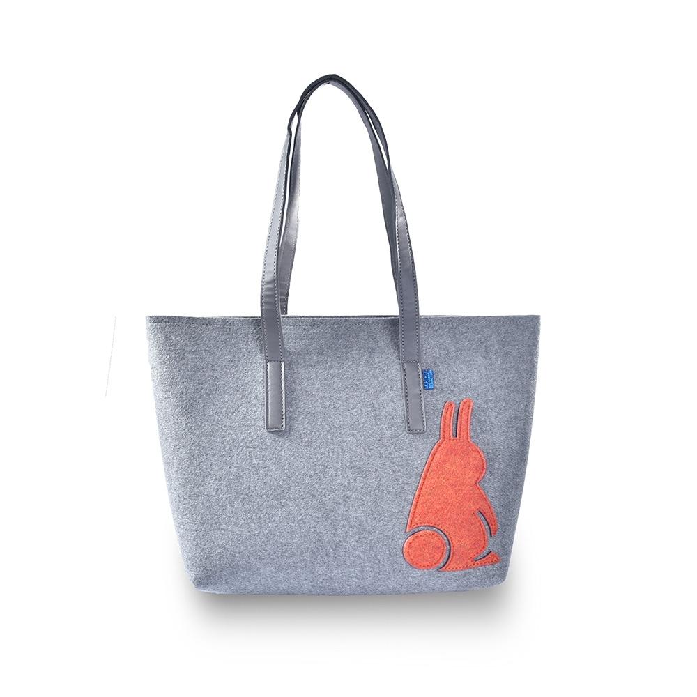M.R.K.T. 經典毛氈布LOGO設計側背包-133190C GREY(灰色)