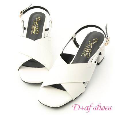 D+AF 自信時尚.寬版交叉方頭中跟涼鞋*白