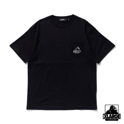 XLARGE S/S EMBROIDERY SLANTED OG POCKET TEE 刺繡口袋短T-黑