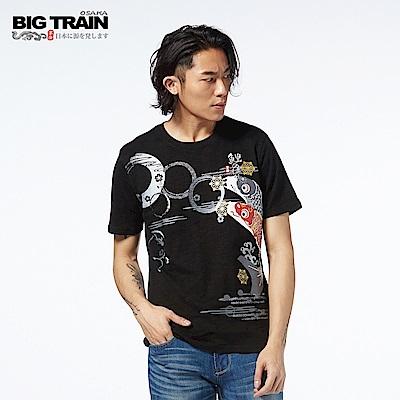 BIG TRAIN 鯉魚旗圓領短袖-男-黑色
