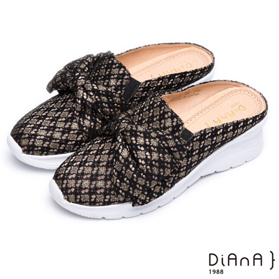 DIANA 質感時尚–潮流編織布菱格紋蝴蝶結圓頭穆勒鞋-黑