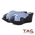 TAS曲線條紋寬繫帶楔型厚底涼拖鞋-經典藍