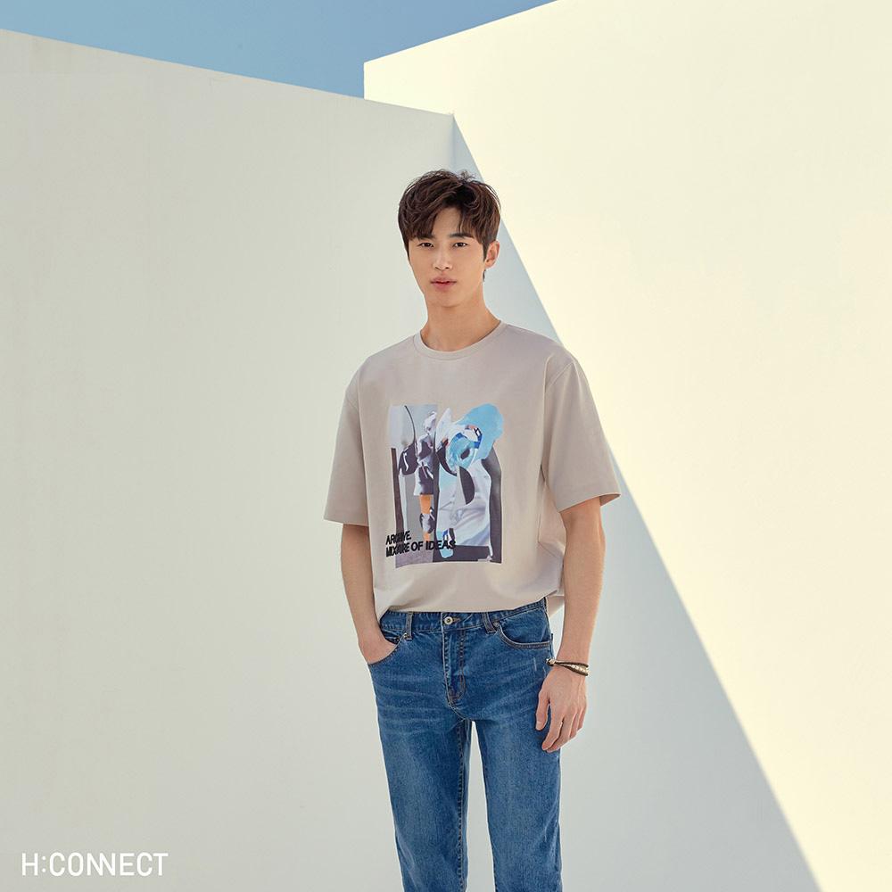 H:CONNECT 韓國品牌 男裝-彩色圖印繡字T-shirt-卡其