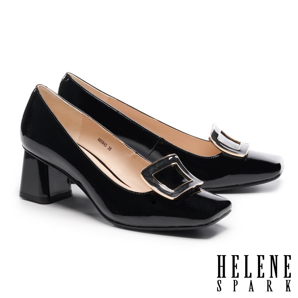 高跟鞋 HELENE SPARK 知性典雅梯形飾釦方頭粗高跟鞋-黑
