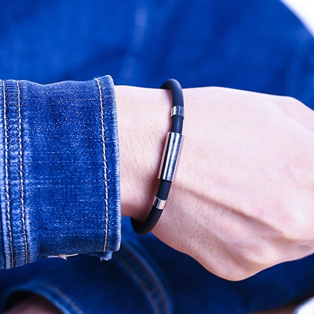 【Cap】鈦鋼磁石防靜電矽膠防水手環