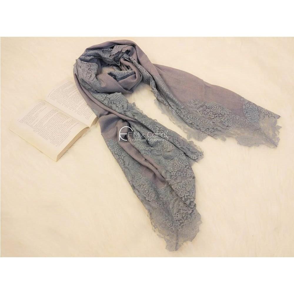 F.M&Carol 維多麗亞系列-100%純喀什米爾羊絨披肩-蕾絲限量款(灰藍色)
