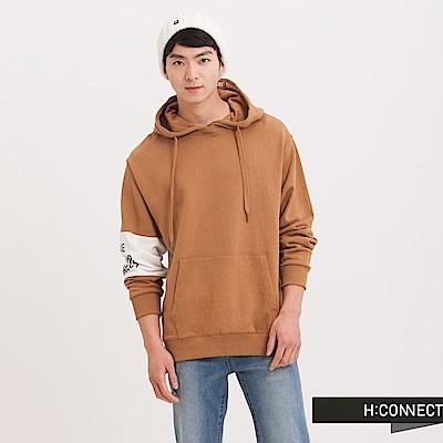 H:CONNECT 韓國品牌 男裝 - 設計拼接袖印字帽T-卡其(快)