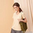 GIORDANO 女裝棉質素色V領口袋T恤-07 淺卡其
