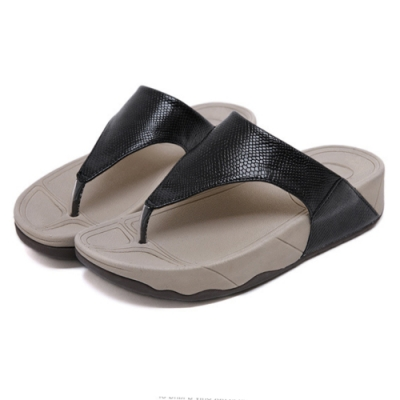 JMS-涼夏時尚蛇皮紋舒壓夾腳厚底涼拖鞋-黑色