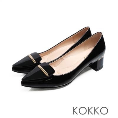 KOKKO - 芙蘿拉擁抱漆皮彎折尖頭跟鞋-夜幕黑