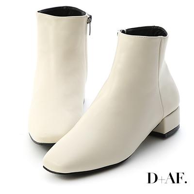 D+AF 簡單主張.素面方頭低跟短靴*白