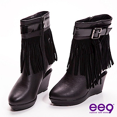 ee9 心滿益足~時尚巨星獨家金屬造型跟流蘇皮帶扣真皮中筒靴~搖滾黑