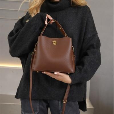米蘭精品 手提包真皮水桶包-肩背牛皮時尚柔軟女包包情人節生日禮物3色73yp15