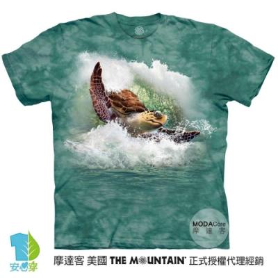 摩達客-美國進口The Mountain 衝浪高手大海龜 純棉環保藝術中性短袖T恤