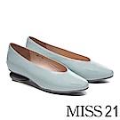 低跟鞋 MISS 21 簡約復古時尚皺漆皮圓跟造型低跟鞋-藍