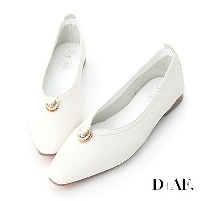 D+AF 典雅美學.金色圓釦尖頭平底鞋*白