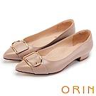 ORIN 輕熟魅力 羊皮皮帶釦環尖頭低跟鞋-裸色
