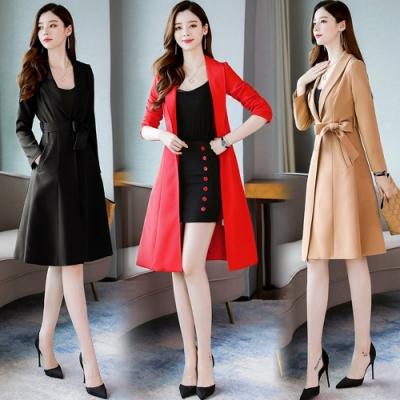 高雅腰綁結修身風衣外套+鈕扣綴飾窄裙套裝M-2XL(共三色)SZ