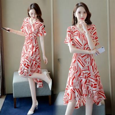 俏麗V領不規則荷葉裙擺修身洋裝M-2XL(共三色)-SZ